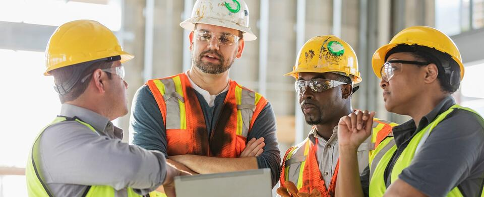 Asite_Blog_Tips_to_Kick-Start_Team Collaboration_Construction_Workers_Team
