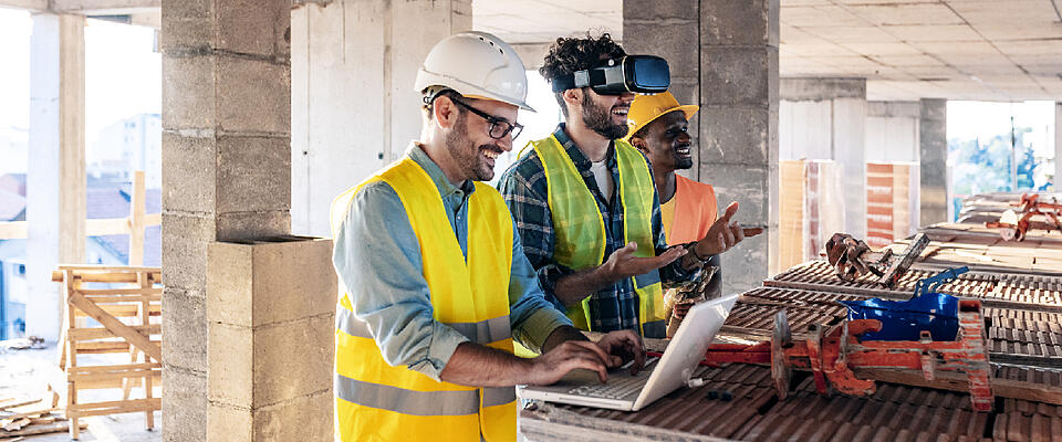 Asite_Blog_What_Is_The_Golden_Thread_of_Information_Workers_VR_Laptop