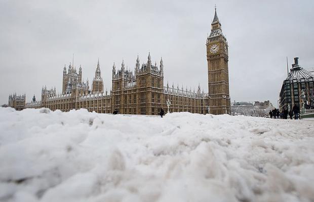 It's Snowing in London!